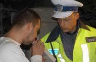 Adolescent prins la volan băut şi fără permis