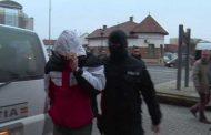 Poliţişti atacaţi de romi la Merişani