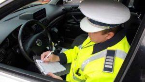 Poliţia Rutieră Argeş dă amenzi de 50.000 de lei şi suspendă vreo 10 permise, în fiecare zi