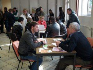 Prahova bate Argeşul la contracte de muncă