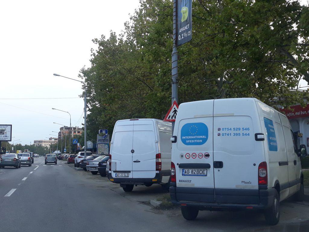 Maşinile de transport, interzise în parcările locatarilor din Piteşti