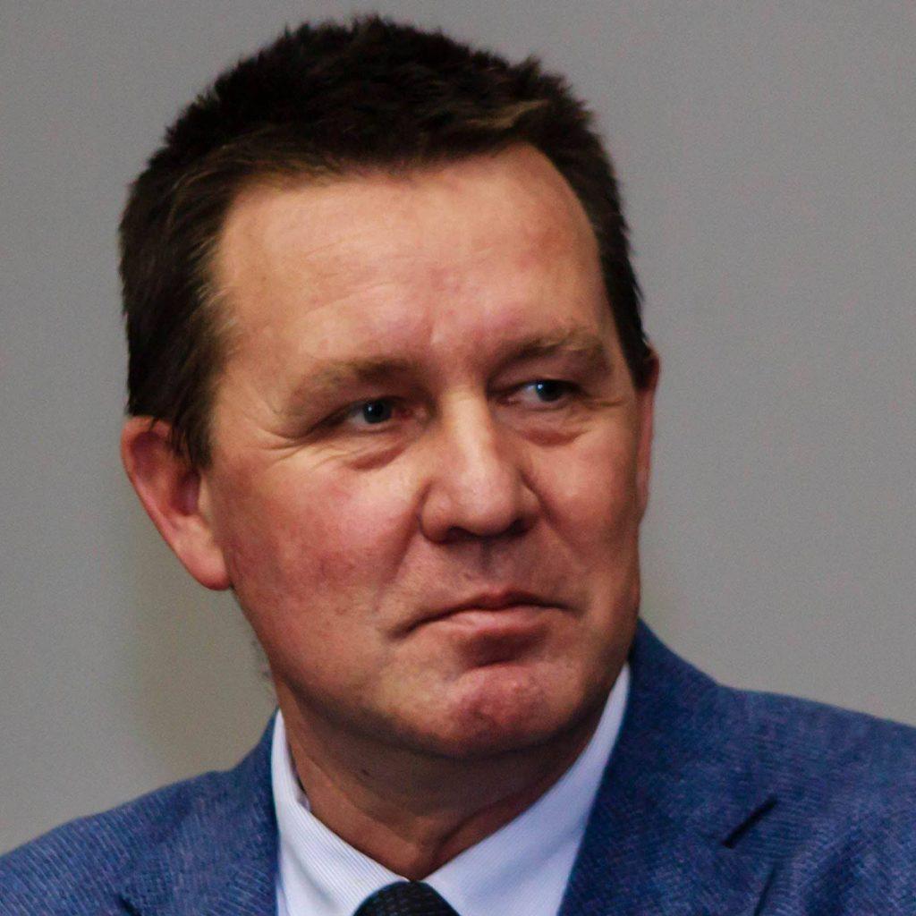LA UPIT, DOUĂ CENTRE DE VACCINARE PENTRU ANGAJAȚII DIN ÎNVĂȚĂMÂNT
