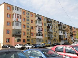Cine nu-şi plăteşte întreţinerea se poate trezi cu apartamentul ipotecat de asociaţie