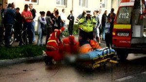Femeia lovită de maşină a murit!
