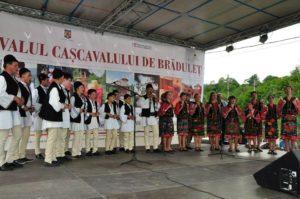 Începe Festivalul Caşcavalului de Brăduleţ