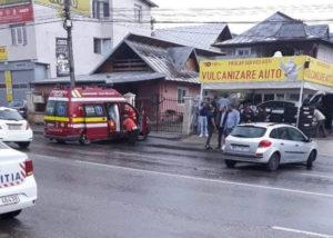 În cartierul Craiovei, tamponare între un autoturism şi un microbuz