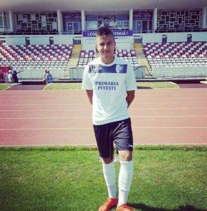 FC Argeş mizează din acest sezon pe doi puşti talentaţi, despre care vom mai auzi: Borţosu şi Olteanu