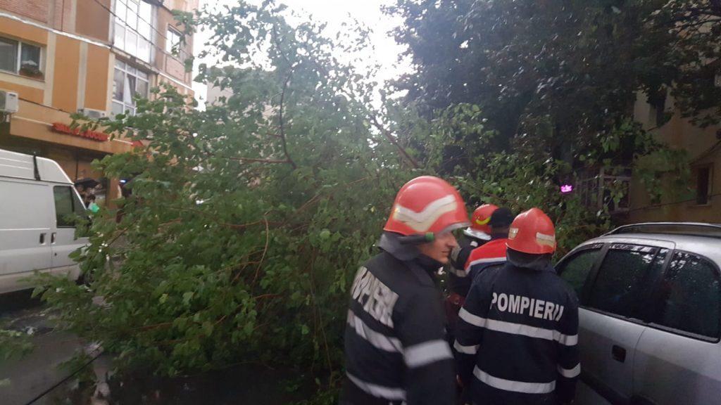 Furtună în ARGEŞ. Alertă ISU!