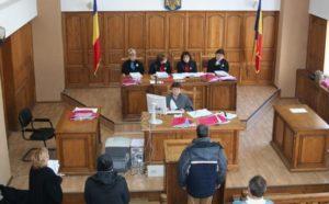 Vâlceni trimişi în judecată de procurorii DNA Piteşti