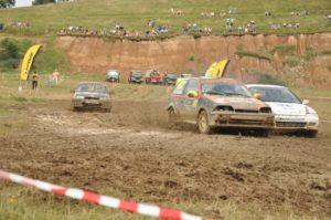 La Campionatul Naţional de Rally Cross de la Câmpulung, adrenalină şi pentru sportivi, şi pentru public
