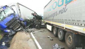 Accident cumplit la Piscani, între două camioane de mare tonaj