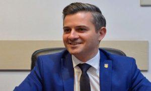 Cosmin Butuza, secretar de stat de la Tineret şi Sport, vrea să pună emblema Centenarului pe