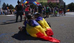 La Bucureşti a început marele miting anti-PSD