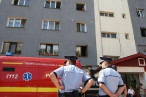 Femeie găsită moartă, la subsolul unui bloc din Ştefăneşti