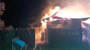 Supărat pe nevastă, a incendiat gospodăria