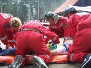 Fetiţa rănită în accidentul de la Budeasa, trimisă în comă la Bucureşti