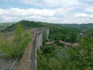 Din categoria poveşti de adormit copiii: se reiau lucrările la calea ferată Vâlcelele - Râmnicu Vâlcea