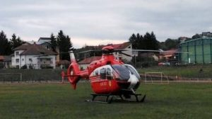 Bebeluş luat cu elicopterul după patru ore de la naştere
