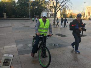 Ionică, pe biclă