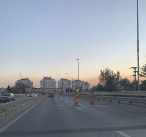 La Podul Viilor abia se circulă, dar nu se lucrează!