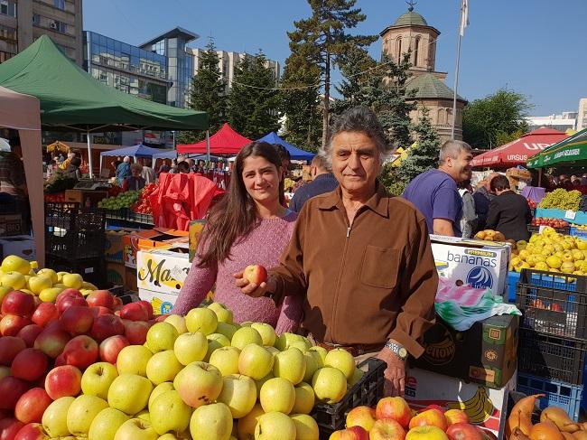 Primarul Gheorghe Stancu, alături de Ioana