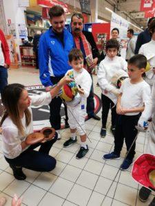Simona Gherman le-a arătat copiilor spadasini aurul olimpic