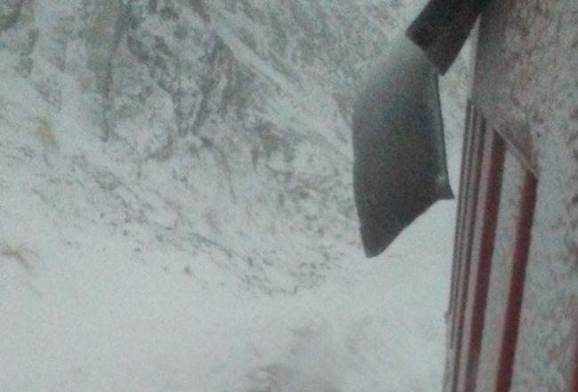 Continuă deszăpezirea pe Transfăgărășan și în alte zone