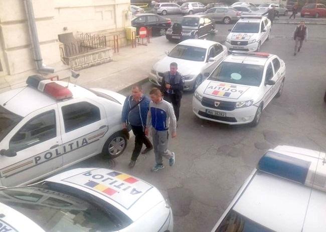 Spărgătorii magazinului de telefoane, trimişi în judecată