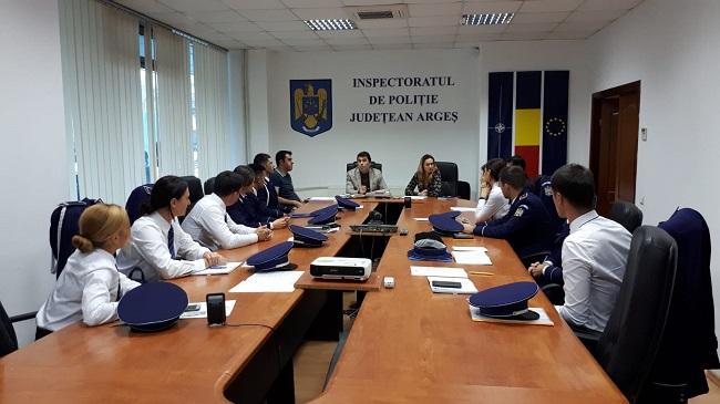 10 tineri poliţişti încadraţi de azi la IPJ Argeş