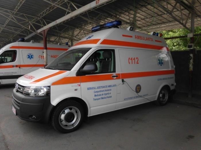 Microbuz cu PASAGERI implicat în accident la Câmpulung
