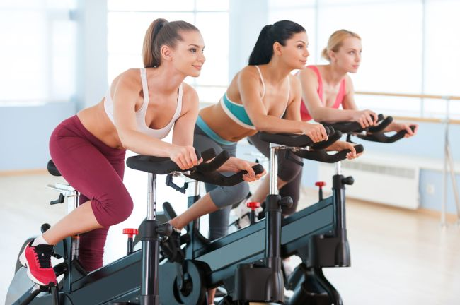 Vrei o schimbare in bine? Iata 2 antrenamente pe bicicleta fitness care te vor ajuta sa slabesti!