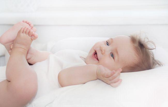 Cu ce haine pentru nou nascuti poti merge in vizita la un bebelus