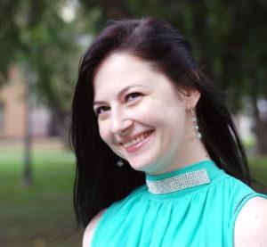 Raluca Ţârcomnicu, despre arta de a fi FEMINA