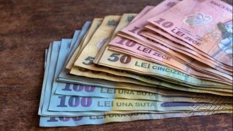 Încep retragerile din fondurile private de pensii
