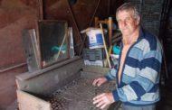 Crunta sărăcie de la ŞTEFĂNEŞTI: oamenii ADUNĂ MELCI ca să primească o pâine!
