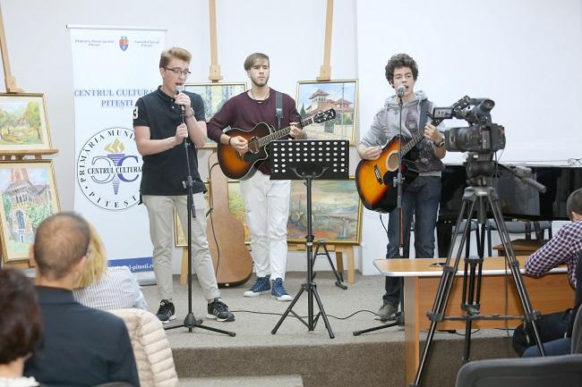 Muzică şi voie-bună în Piaţa Primăriei