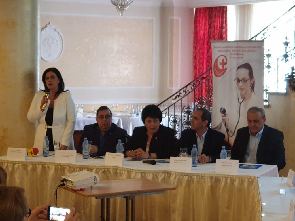 Ordinul Asistenţilor a organizat dezbaterea