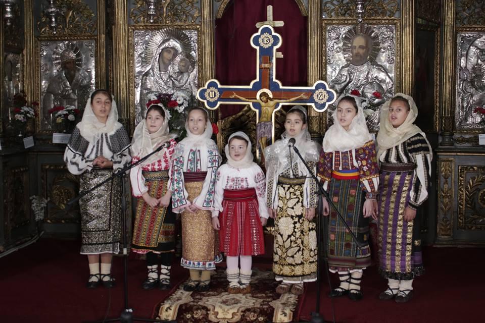 Spectacol de pricesne la Biserica Mavrodolu