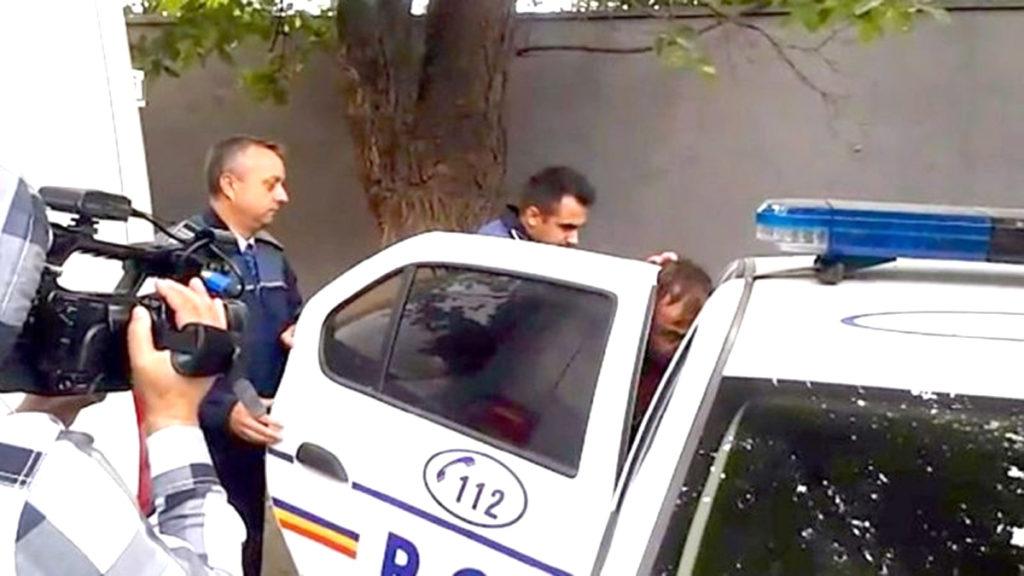 Tânărul, ridicat de poliţişti