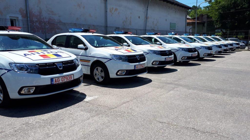 Poliţia judeţeană a primit nouă maşini noi