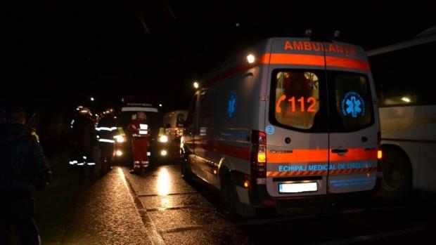 Cinci răniţi în accident la Curtea de Argeş