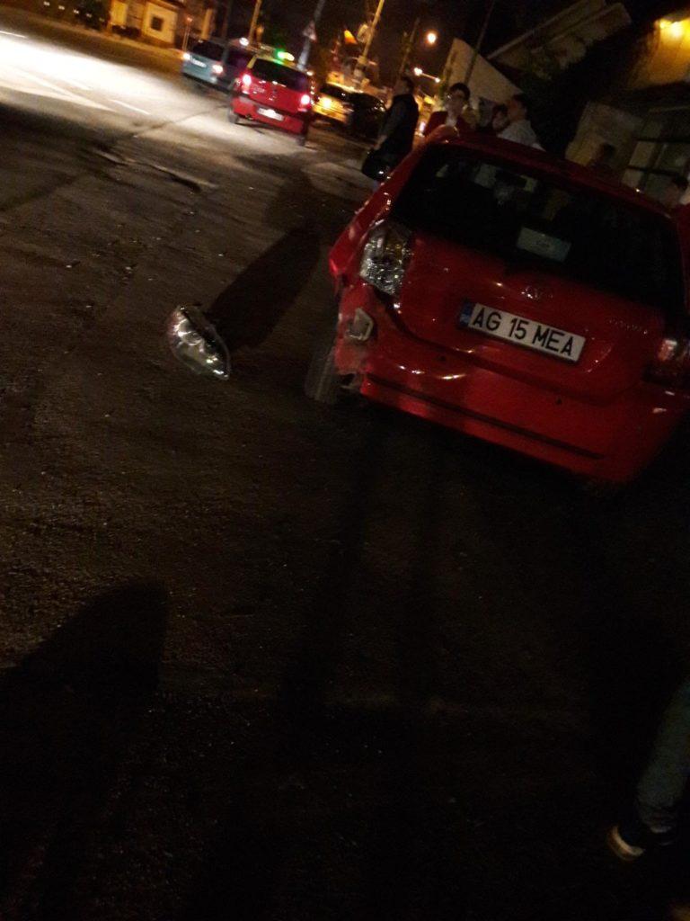Autoturismul, avariat în partea din spate stânga