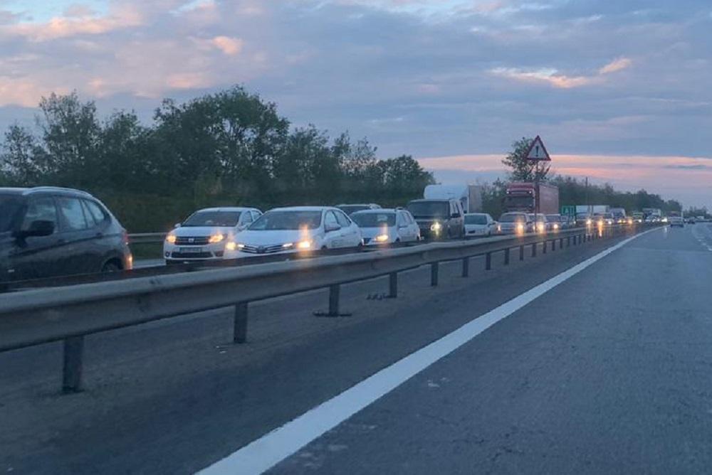 MEGA ACCIDENT pe Autostrada A1. Carambol cu 10 maşini. Trafic INFERNAL