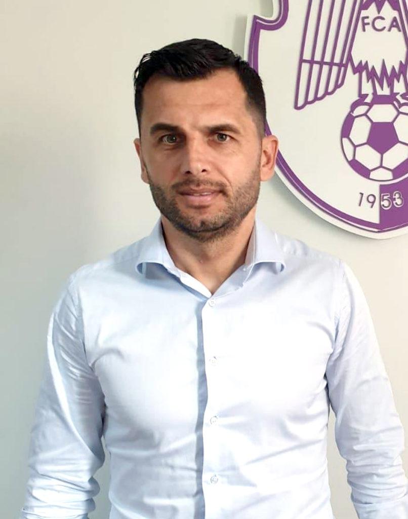 NICOLAE DICĂ a fost PREZENTAT OFICIAL la FC ARGEŞ