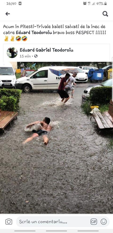 Un tip din cartierul TRIVALE a înotat la scara blocului!