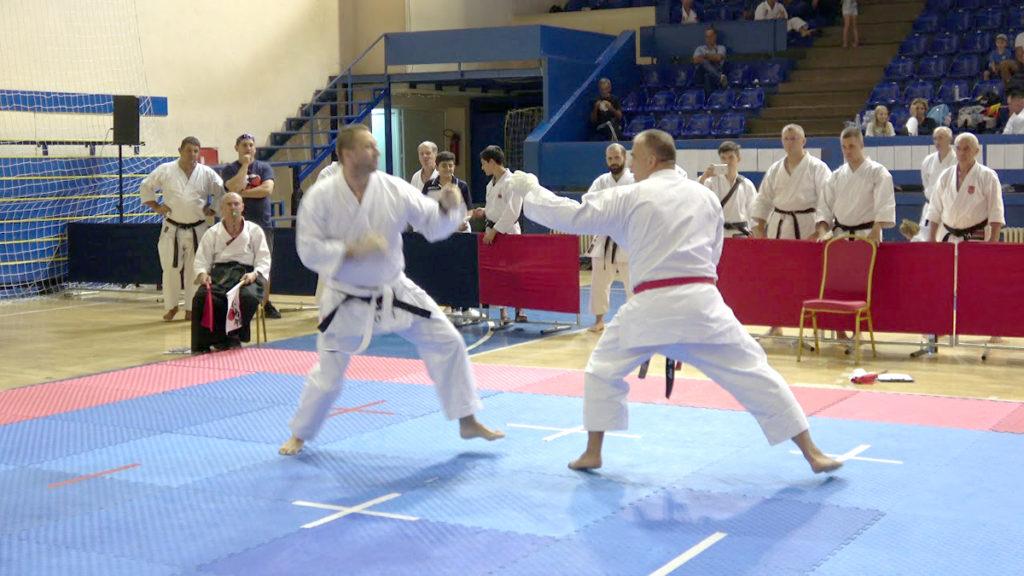 Karateka din 20 de ţări concurează la Piteşti
