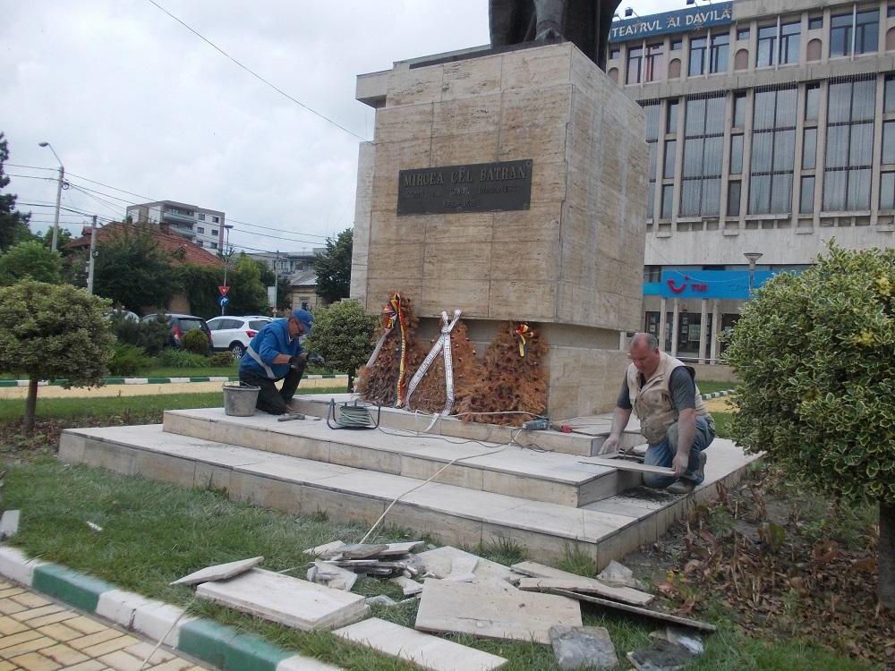 Misterul statuii lui Mircea cel Bătrân din Piteşti. Un sculptor aruncă bomba!