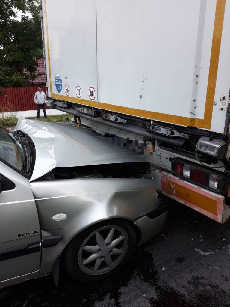 Răniți în accident la Lunca Corbului
