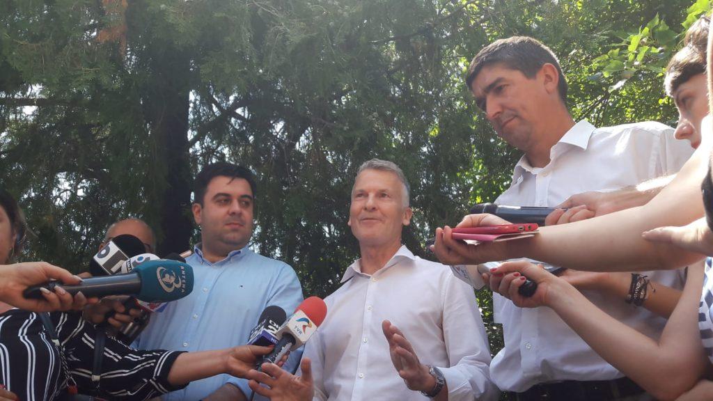 Drumul expres Piteşti-Craiova. Ministrul Cuc îl tratează cu... GARGARĂ pe şeful Ford