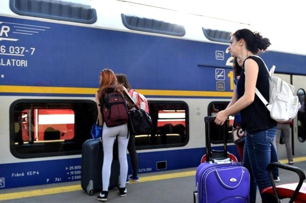 Ce spun studenţii piteşteni despre LIMITAREA GRATUITĂȚII transportului cu trenul